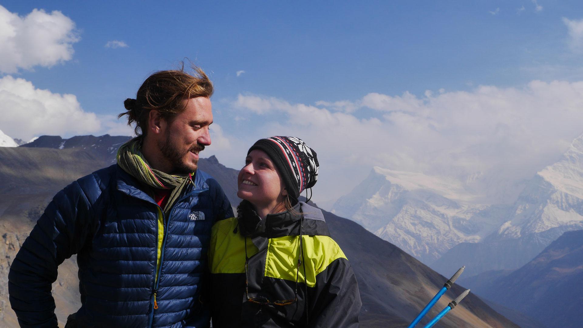 Nepal_06_Trekking-Couple-Latitudes-Vagabondes